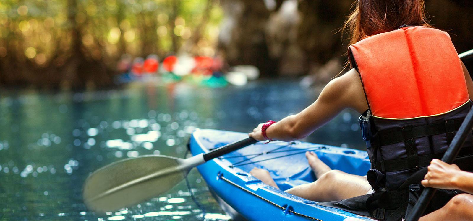 kayak-lady-2